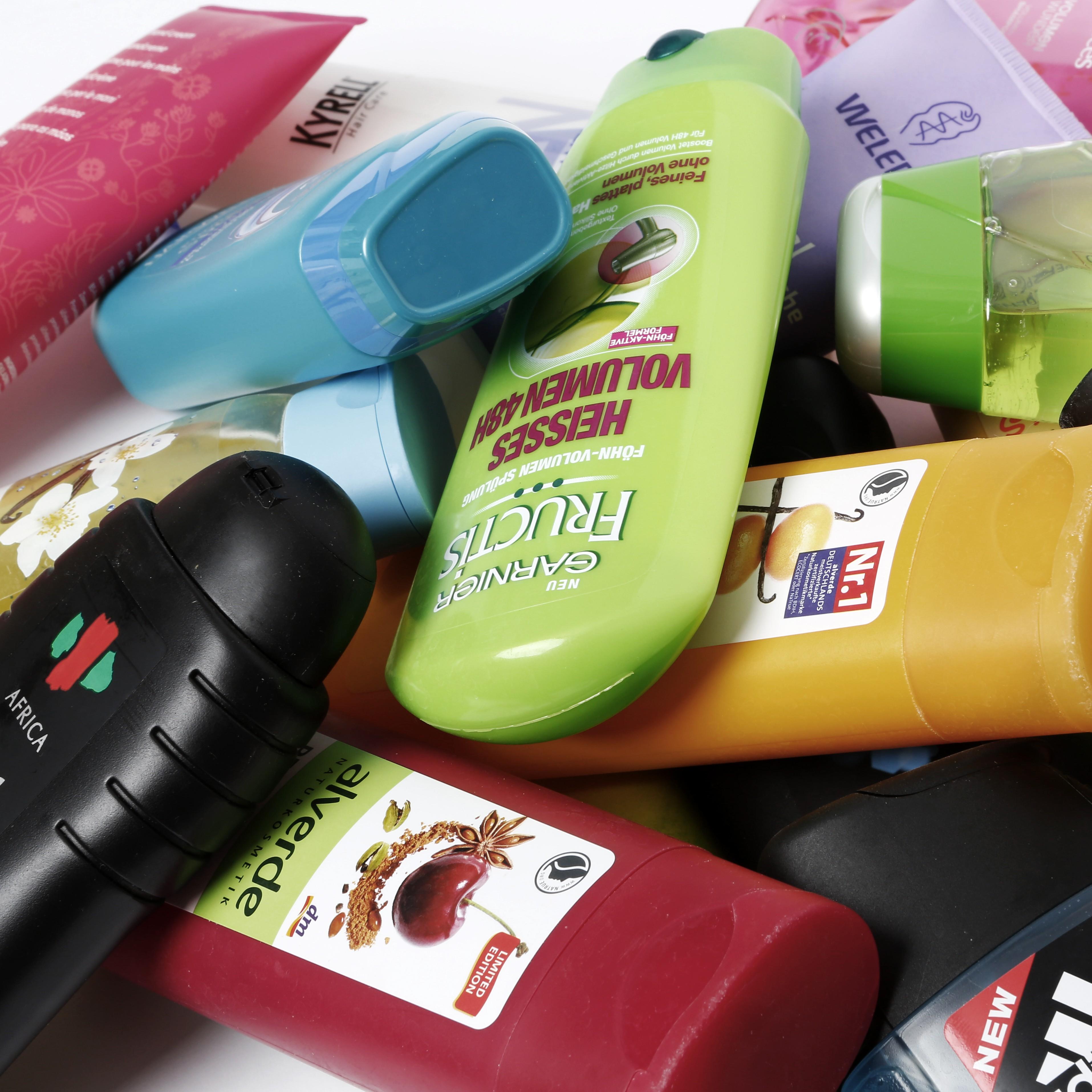 In Kosmetik kann sich Plastik verstecken (c) Tim Reckman/Pixelio